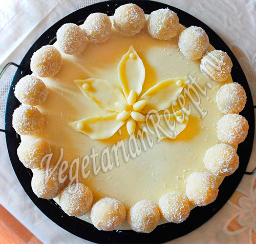 торт с мастикой Лотос в снежках