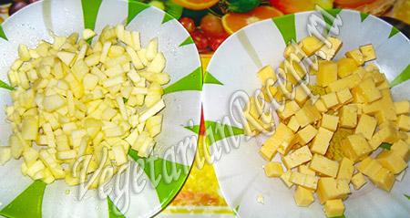 сыр и яблоко для салата