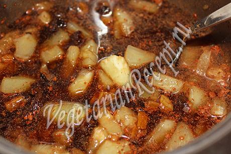 ананасы с сиропом и сухофруктами