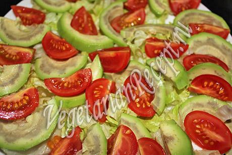 помидоры с авокадо