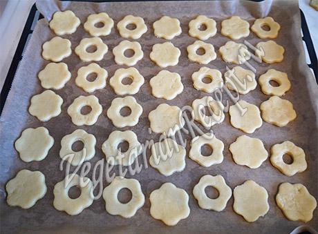 выпекаем печенье ромашки