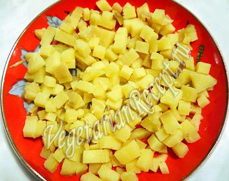 приготовление салата с картофелем