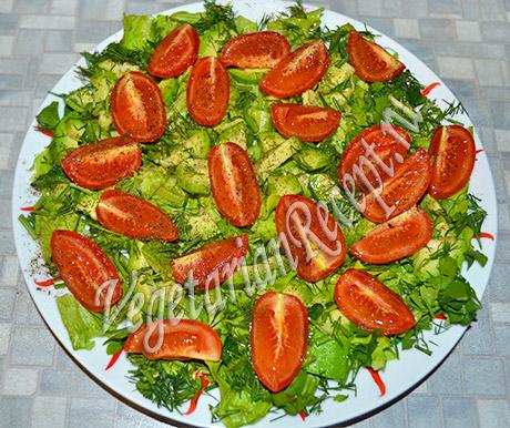 салат с жареными кабачками - помидоры