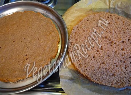 Как разрезать коржи для фруктового торта. Фото