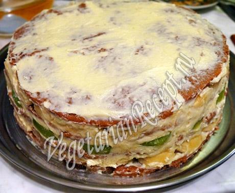 фруктовый торт покрываем кремом