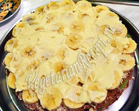 приготовление торта с фруктами