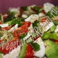 закуска моцарелла с помидорами
