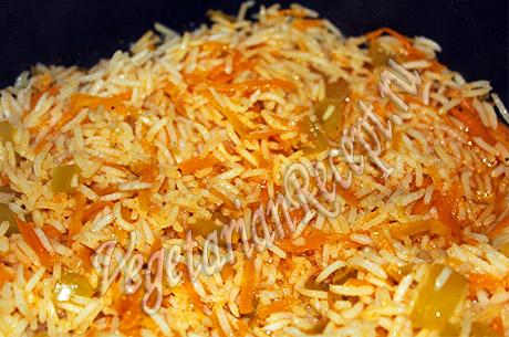рис с морковью и болгарским перцем