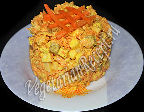 рецепт салата морковь сыр сухарики