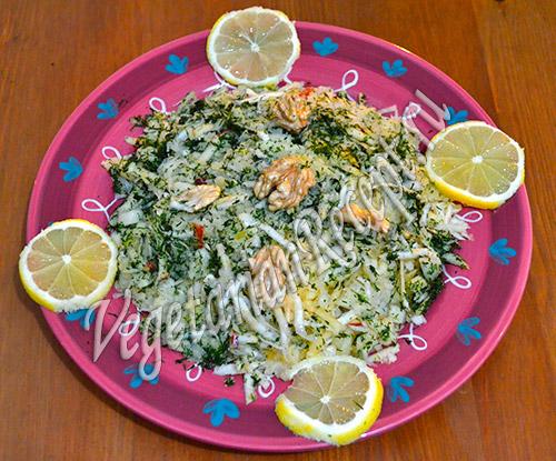 салат из квашеной капусты с сельдереем
