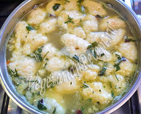 варим в супе сырные клецки