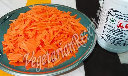 морковь, натертая соломкой