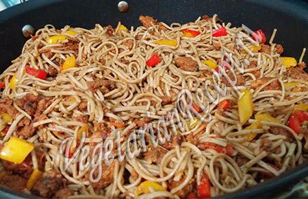 якисоба - вегетарианский рецепт