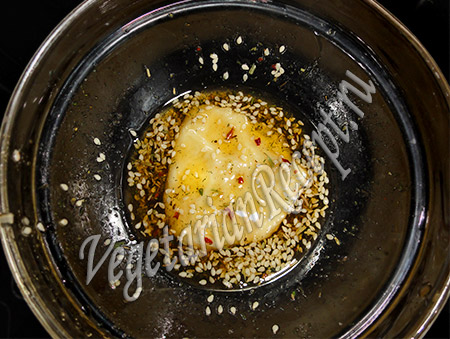 тесто в соусе с пряностями