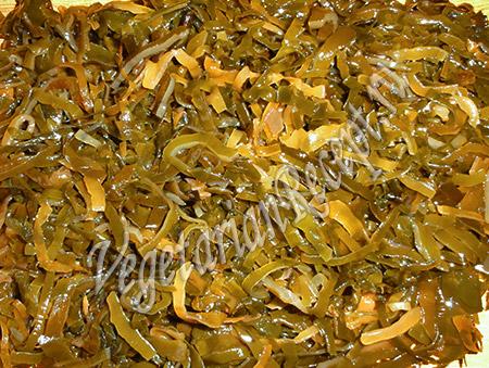 морская капуста, порезанная для салата
