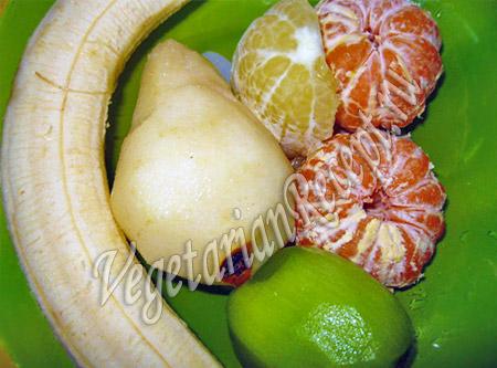 очищенные фрукты для смузи