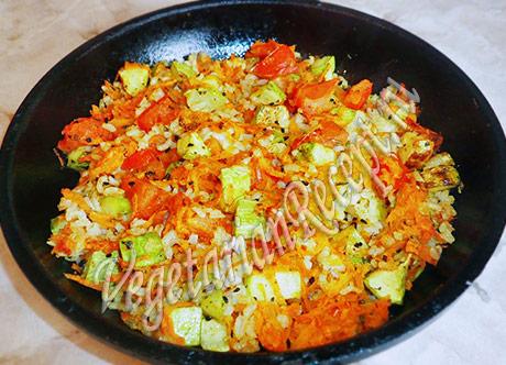 запеченные кабачки с рисом и овощами