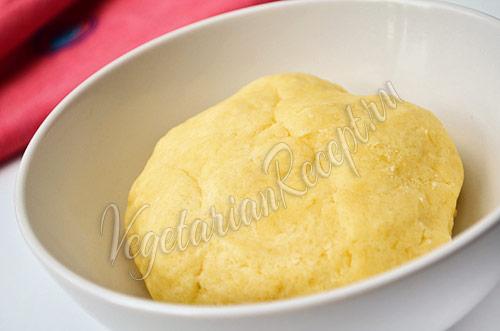 Тесто для пирога со сливами - фото