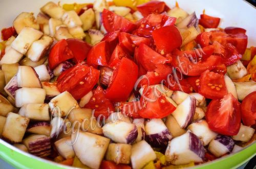 приготовление рагу из баклажанов с помидорами