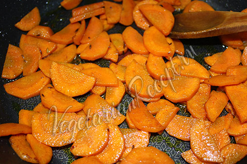 тушеная морковь