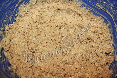 замешиваем овсяное тесто для печенья