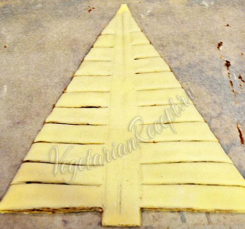 рецепт выпечки из слоеного теста в форме елки