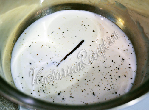 молоко с сахаром и ванилью