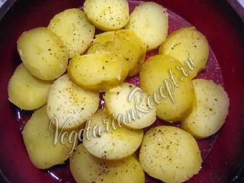 мусака - слой картофеля