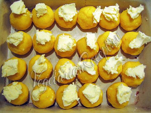 шарики из мамалыги со сливочным маслом