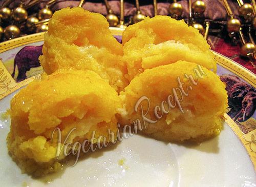 фото: урс - кукурузные шарики с брынзой (из мамалыги)