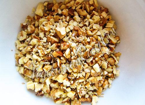 орехи грецкие измельчаем