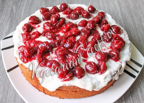 торт с вишней готов