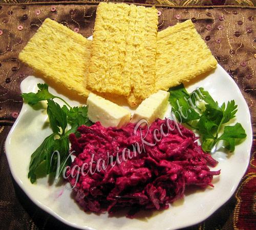 салат из свеклы и брынзы