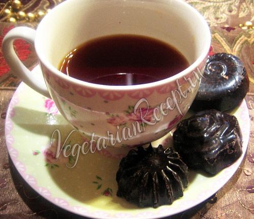 шоколадные конфеты с черносливом и орехами