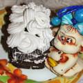 шоколадный бисквит со взбитыми сливками