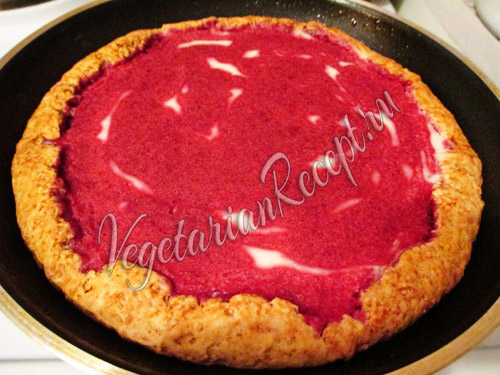 ставим пирог выпекаться
