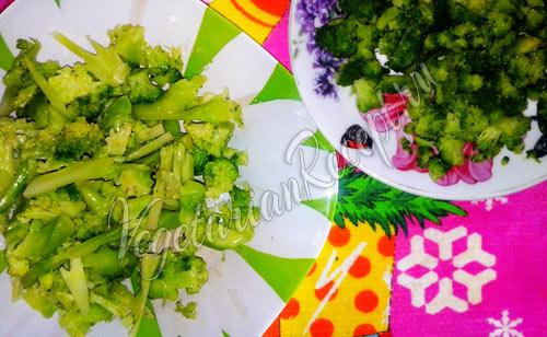 Подготавливаем соцветия брокколи