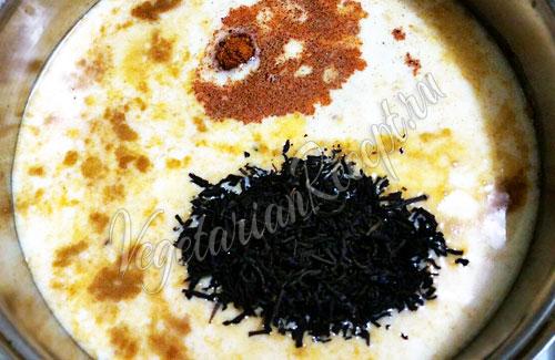 Кипятим молоко, чай и специи