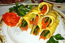 Рулетики из сыра с морковью и огурцом