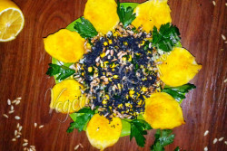Салат Подсолнух с кукурузой, огурцами, семечками