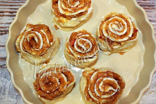Как приготовить булочки с яблоками
