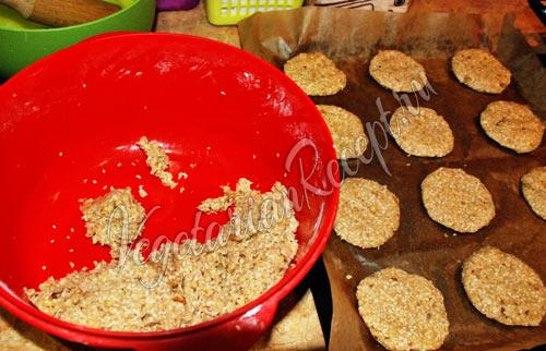 Приготовление кунжутного печенья без яиц