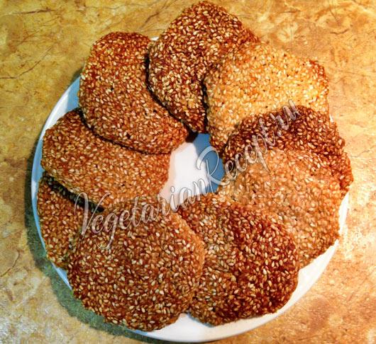 Рецепт: Кунжутное печенье без яиц