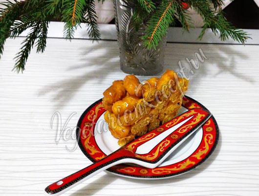 Торт из ирисок и кукурузных палочек