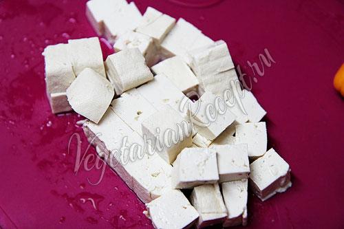 Кусочки тофу
