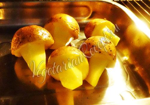 Выпекаем грибочки из картошки