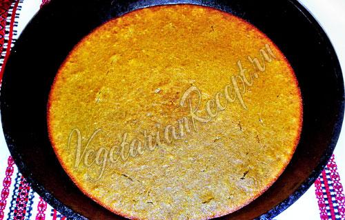 Выпекаем пирог из манной крупы