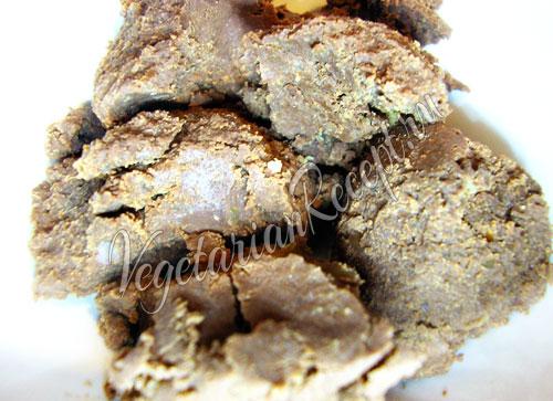 Застывший постный шоколадный крем