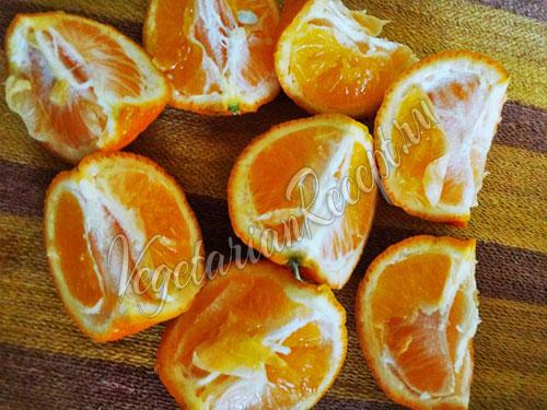 Разрезаем мандарины