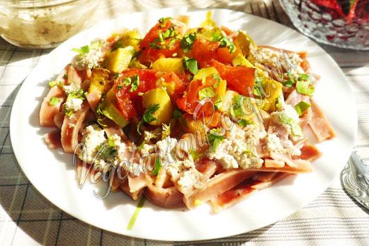 Второе блюдо с тушеными овощами